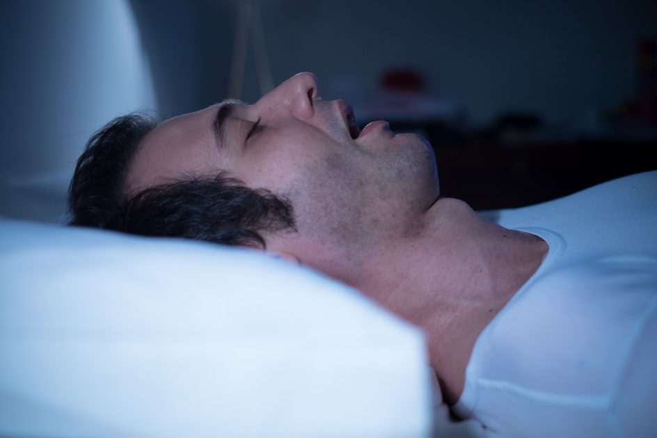 adjustable-beds-help-with-snoring